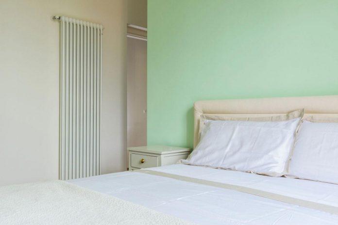 beautiful-apartment-30s-mix-classic-elements-bit-contemporary-ones-17