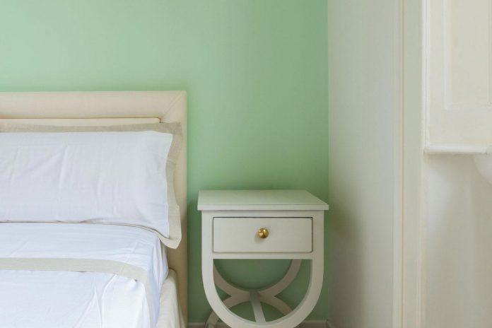 beautiful-apartment-30s-mix-classic-elements-bit-contemporary-ones-18