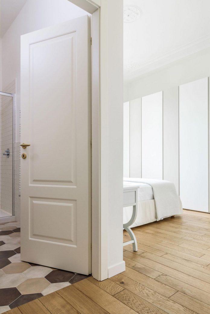beautiful-apartment-30s-mix-classic-elements-bit-contemporary-ones-21