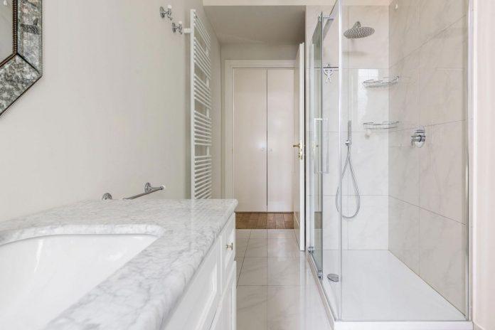 beautiful-apartment-30s-mix-classic-elements-bit-contemporary-ones-27