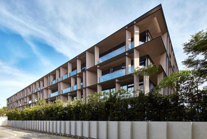 cluny-park-residence-set-lush-tropical-landscape-across-street-singapore-botanic-gardens-04