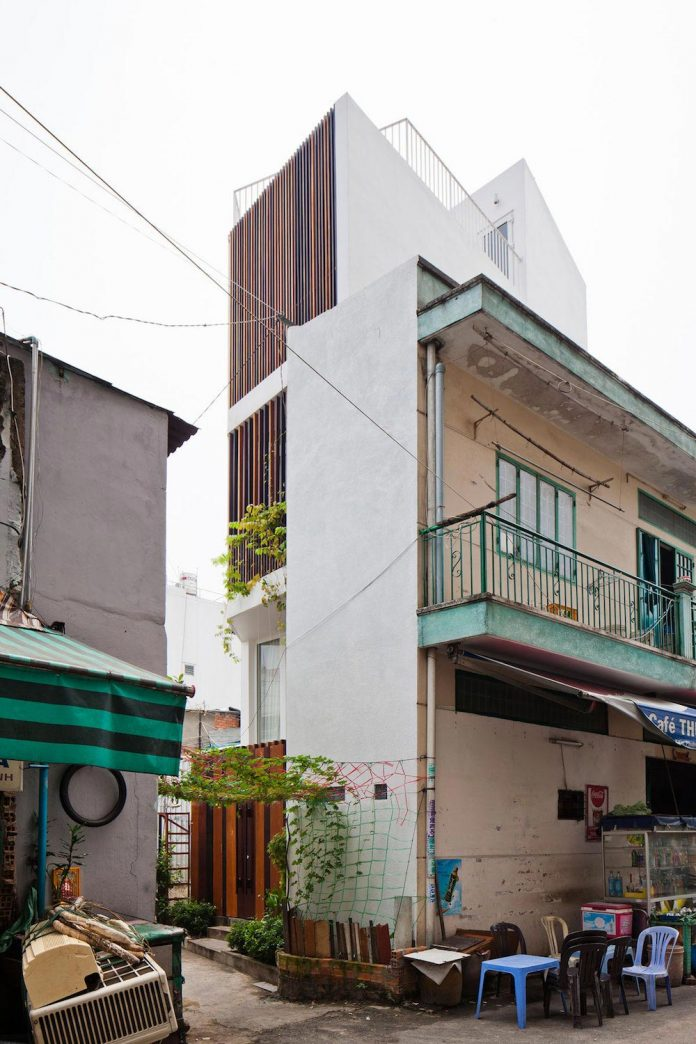 colorful-small-town-house-irregular-shape-situated-central-district-ho-chi-minh-city-03