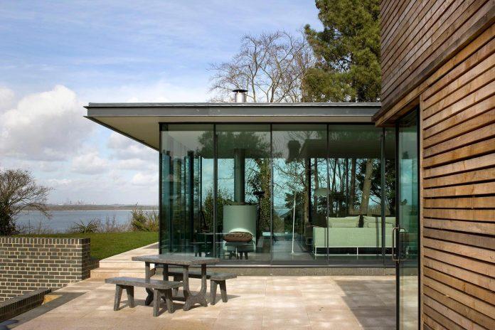 Compact 1960s Bungalow Gets Renovation Extension Glass Pavilion