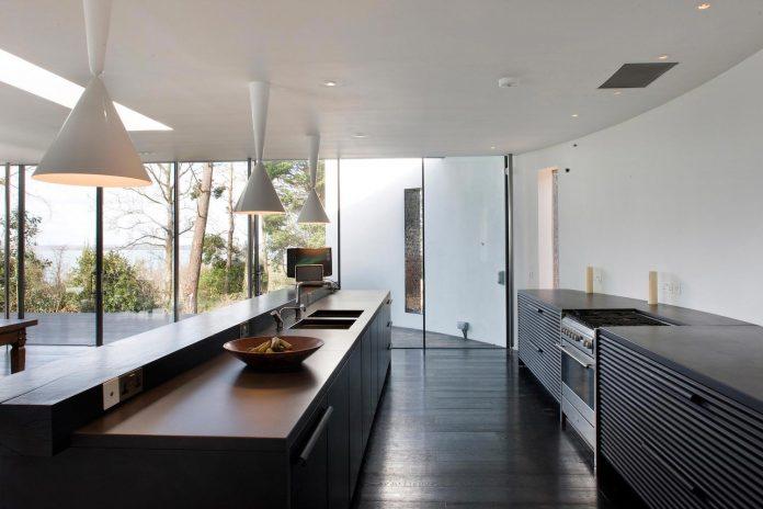 compact-1960s-bungalow-gets-renovation-extension-glass-pavilion-living-room-07