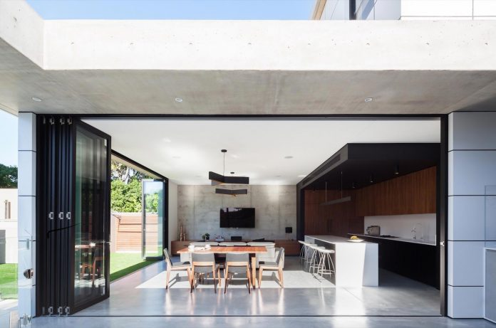 concrete-contemporary-four-bedroom-house-located-concord-sydney-04