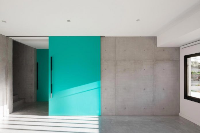 concrete-contemporary-four-bedroom-house-located-concord-sydney-11