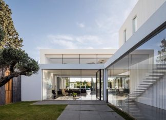 Contemporary open and light-filled, simple and minimalist space of the F House