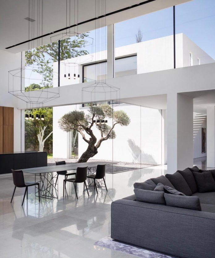 contemporary-open-light-filled-simple-minimalist-space-f-house-27