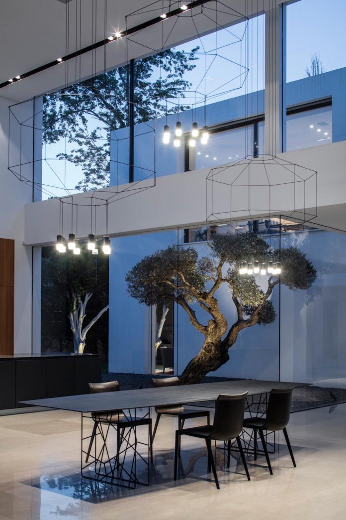 contemporary-open-light-filled-simple-minimalist-space-f-house-36