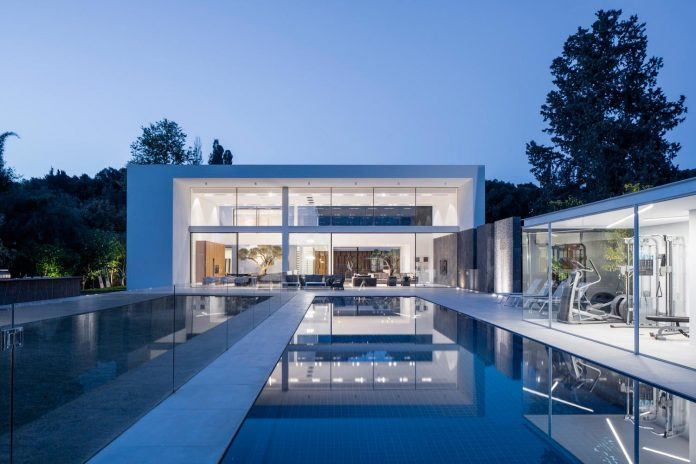 contemporary-open-light-filled-simple-minimalist-space-f-house-42