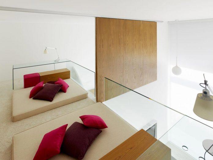 contemporary-white-la-palma-residence-uses-sunlight-generate-sensations-12
