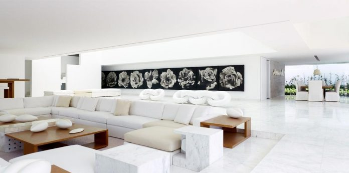 contemporary-white-la-palma-residence-uses-sunlight-generate-sensations-14