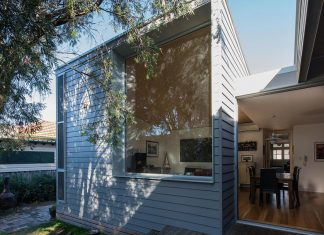 Conversion and extension of an old small cottage in the heritage suburb of Hamilton