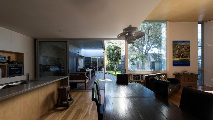 conversion-extension-old-small-cottage-heritage-suburb-hamilton-04