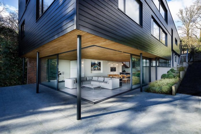 detached-60s-residence-gets-modern-renovation-look-like-21st-century-family-home-01