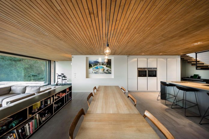 detached-60s-residence-gets-modern-renovation-look-like-21st-century-family-home-02
