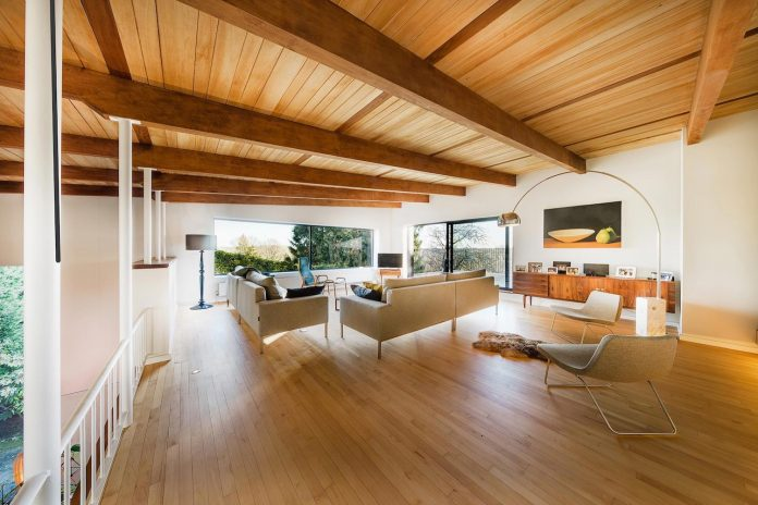 detached-60s-residence-gets-modern-renovation-look-like-21st-century-family-home-04
