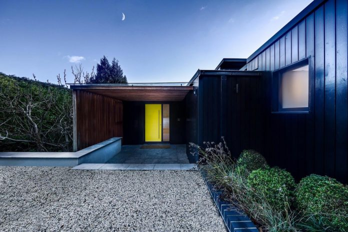 detached-60s-residence-gets-modern-renovation-look-like-21st-century-family-home-10