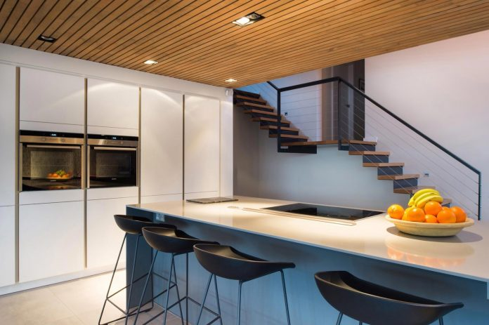 detached-60s-residence-gets-modern-renovation-look-like-21st-century-family-home-11