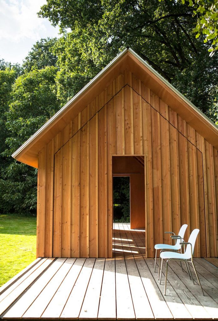 diy-adjustable-wooden-home-can-easily-adjusted-weather-type-mood-occasion-12