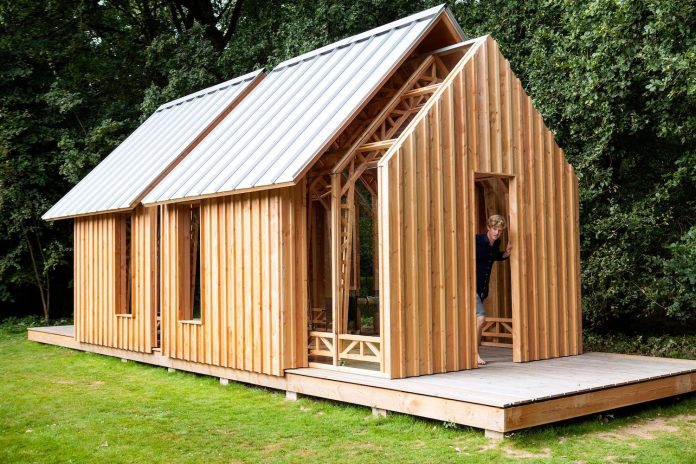 diy-adjustable-wooden-home-can-easily-adjusted-weather-type-mood-occasion-15