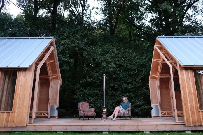 diy-adjustable-wooden-home-can-easily-adjusted-weather-type-mood-occasion-18
