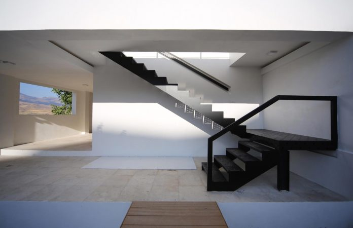 energy-self-sufficient-two-story-building-designed-old-couples-second-house-07