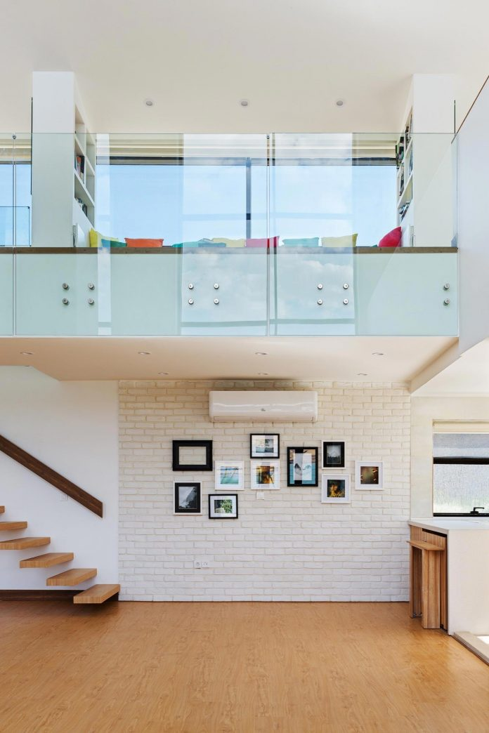energy-self-sufficient-two-story-building-designed-old-couples-second-house-11