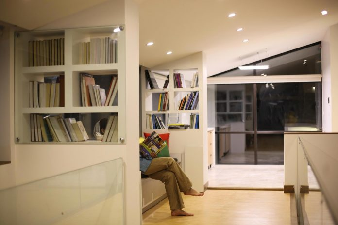 energy-self-sufficient-two-story-building-designed-old-couples-second-house-18