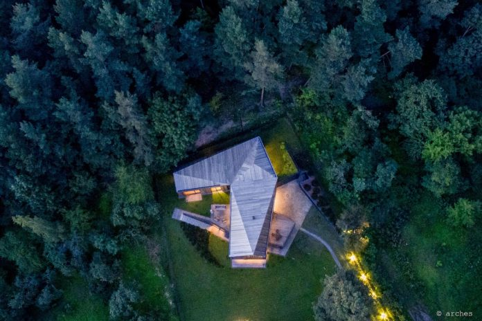 fairytale-contemporary-house-situated-middle-calm-harmony-nature-09