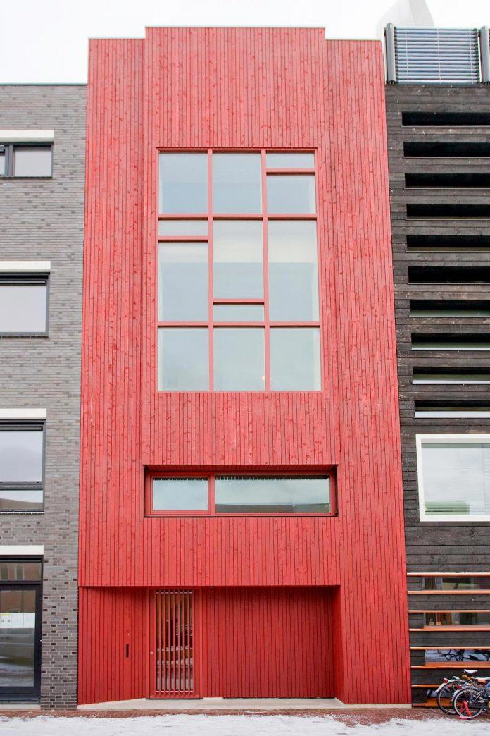 five-storey-wood-carving-home-built-prefab-wood-elements-01