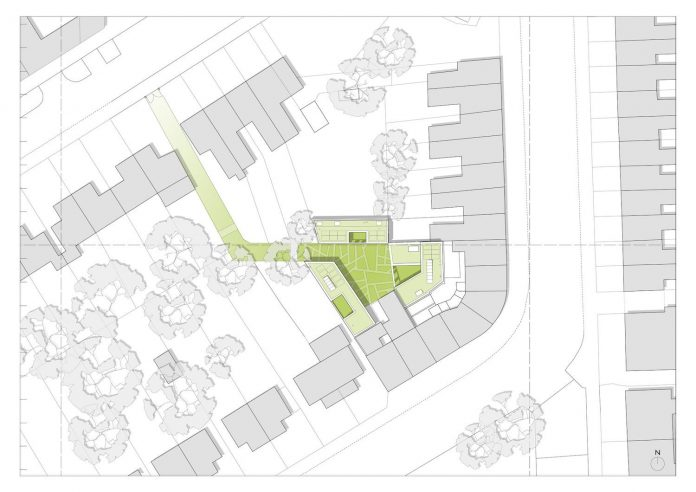 forest-mews-3-houses-arranged-around-multi-functional-shared-outdoor-courtyard-urban-brownfield-site-28