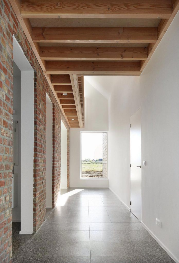 Former Farmhouse Conversion Into Contemporary Pitched Roof