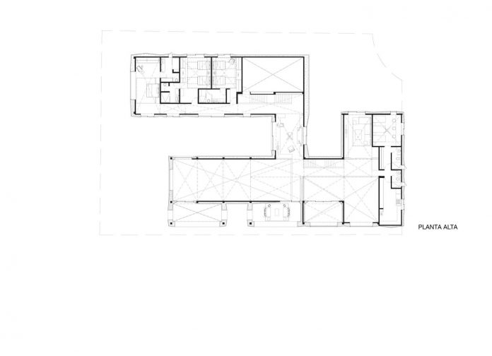french-villa-approach-pyramidal-hipped-roof-located-peninsula-11
