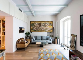 A German artist naturalized Milanese and her apartment in an historic building in the city Centre of Milan