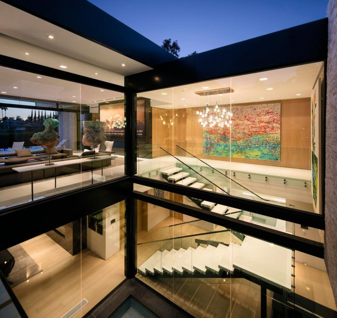 hillcrest-residence-beverly-hills-true-water-garden-located-middle-house-02