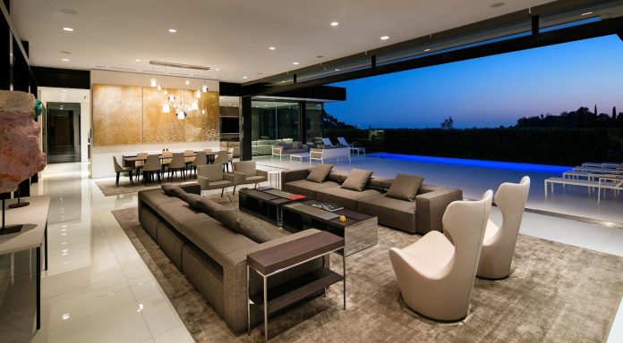 hillcrest-residence-beverly-hills-true-water-garden-located-middle-house-03