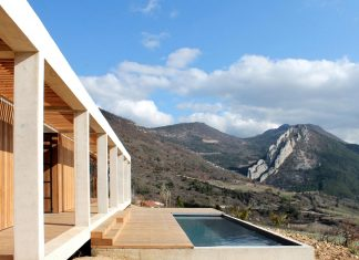 Holiday house able to host a dozen persons offering exceptional panoramic views