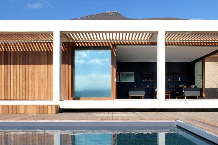 holiday-house-able-host-dozen-persons-offering-exceptional-panoramic-views-10