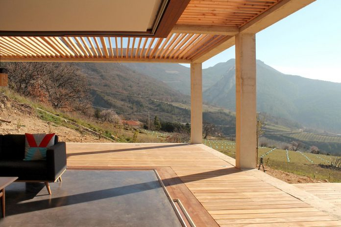 holiday-house-able-host-dozen-persons-offering-exceptional-panoramic-views-14