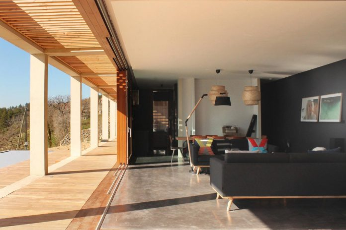 holiday-house-able-host-dozen-persons-offering-exceptional-panoramic-views-15