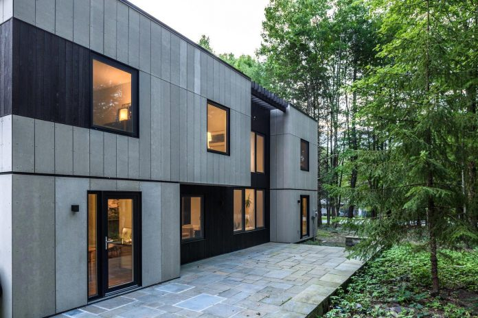 home-renovation-covered-fiber-cement-paneling-shou-sugi-ban-wood-weather-resistance-sustainability-cost-effectiveness-08