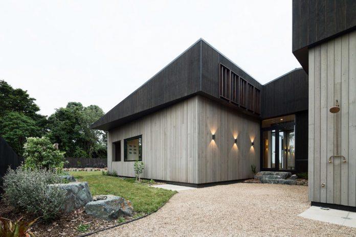 house-eaves-set-land-pastoral-land-13
