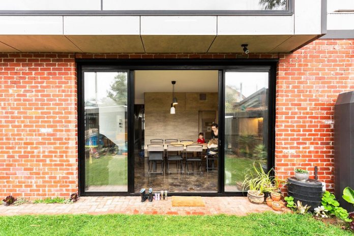humble-house-simple-modest-extension-meets-highest-standards-05