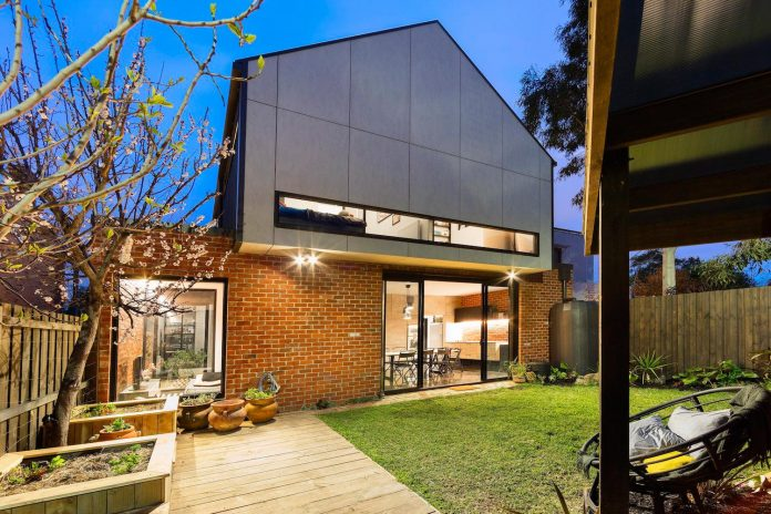 humble-house-simple-modest-extension-meets-highest-standards-27