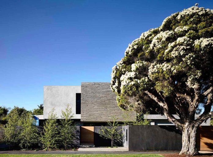 mckimm-designs-modern-concrete-family-home-wolseley-01