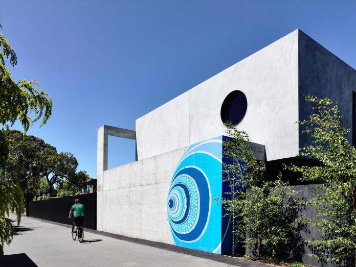 mckimm-designs-modern-concrete-family-home-wolseley-02
