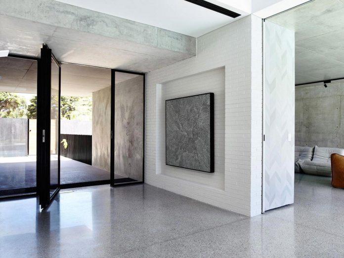 mckimm-designs-modern-concrete-family-home-wolseley-07