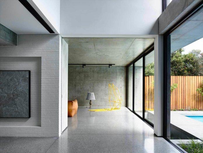 mckimm-designs-modern-concrete-family-home-wolseley-08