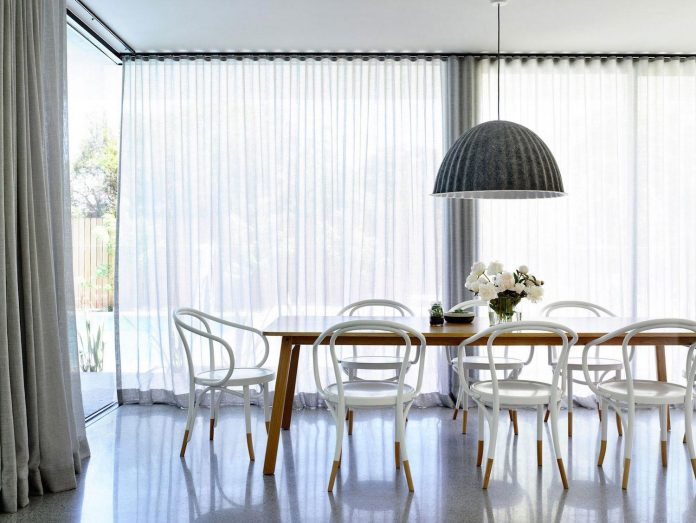 mckimm-designs-modern-concrete-family-home-wolseley-18